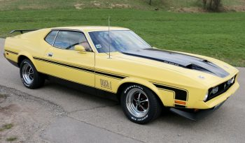 1972-ford-mustang-fastback-mach1-01