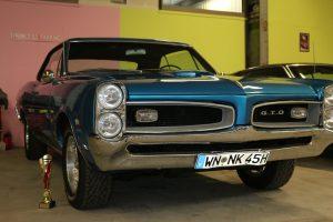 klassische autos muscle cars nr classic car collection stuttgart. Black Bedroom Furniture Sets. Home Design Ideas