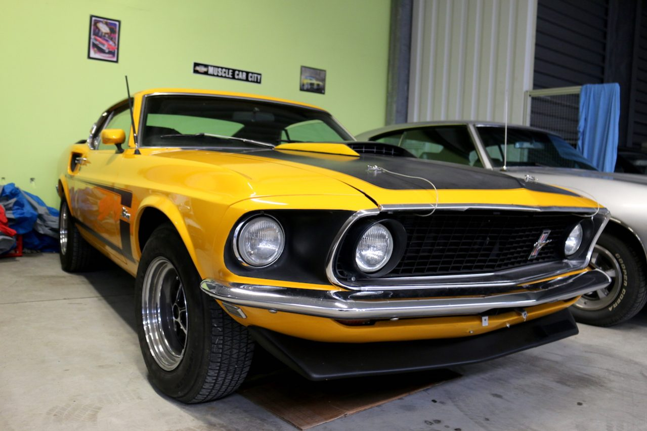 ford mustang 1969 fastback mach 1 gelb nr classic car. Black Bedroom Furniture Sets. Home Design Ideas
