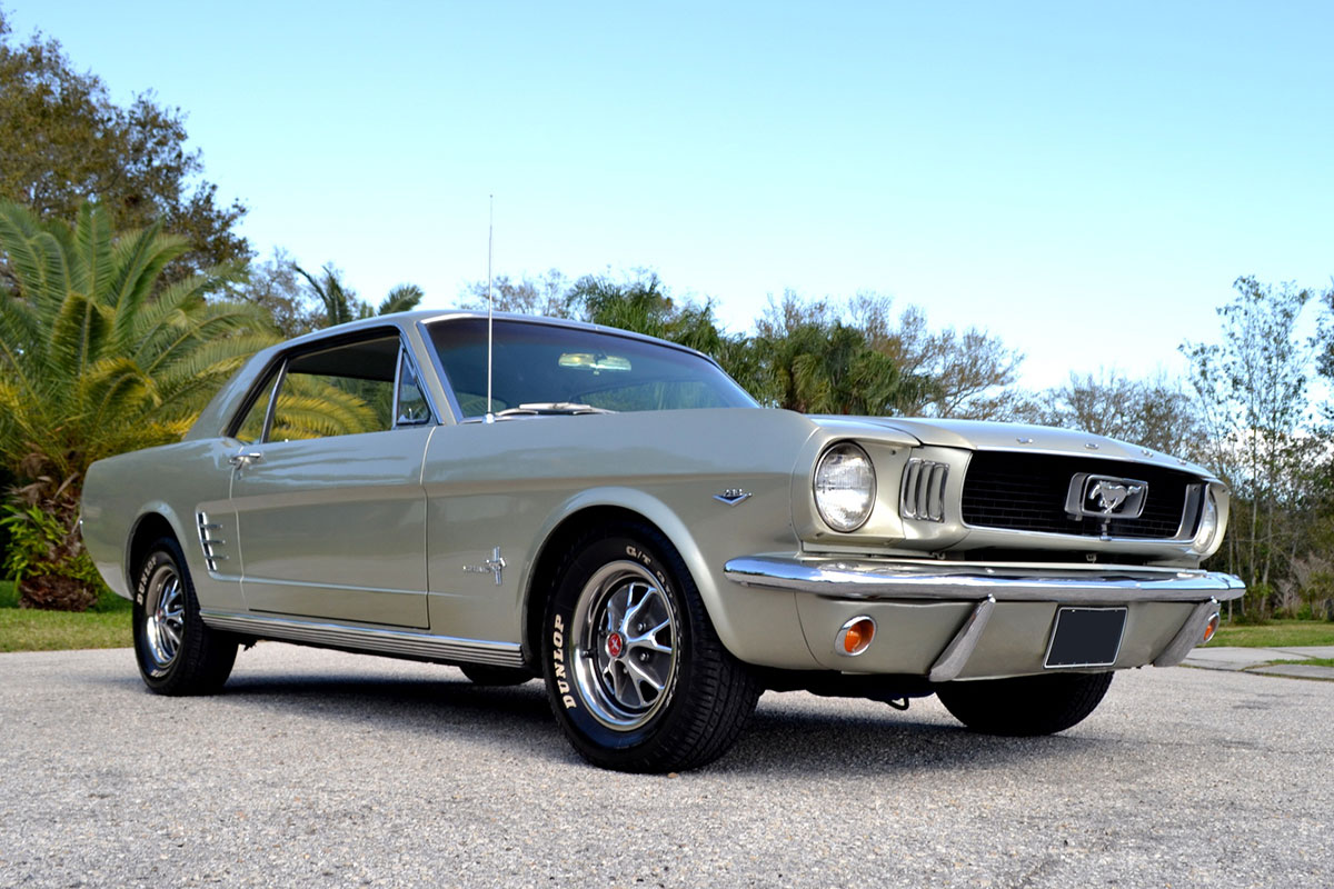 ford mustang coupe bj 1966 silber nr classic car collection stuttgart. Black Bedroom Furniture Sets. Home Design Ideas