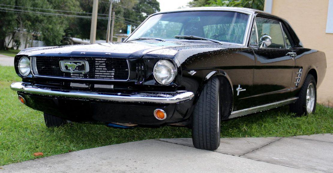 1966-ford-mustang-coupe-schwarz-elvira-01
