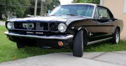 Ford Mustang 1966 Coupe Elvira schwarz