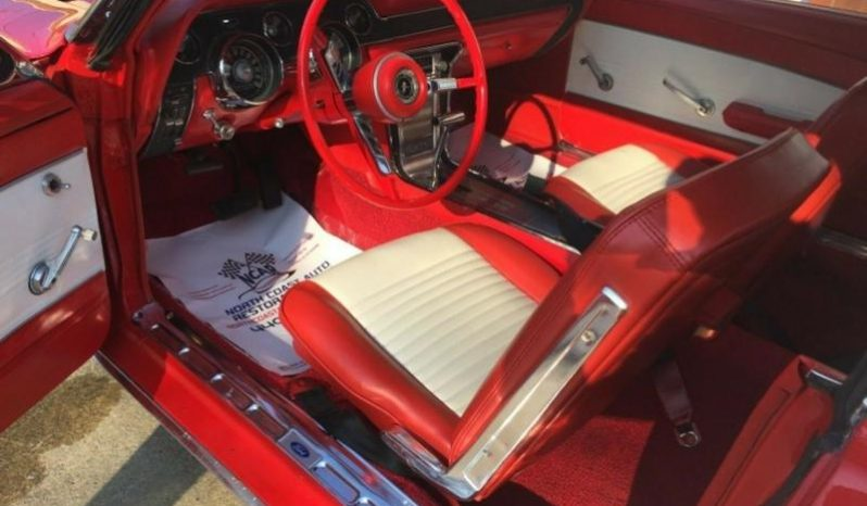 Ford Mustang 1967 Convertible Rot voll