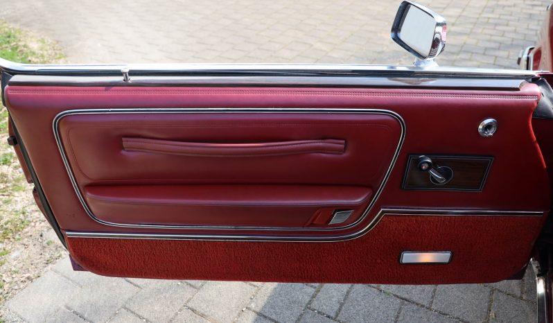 1977 Chrysler Le Baron rot voll