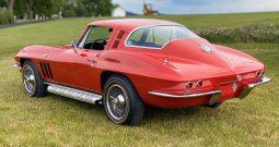 1965 Chevrolet Corvette C2 rot